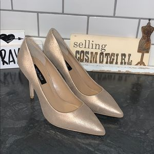 White House Black market gold pointed pumps 8 1/2